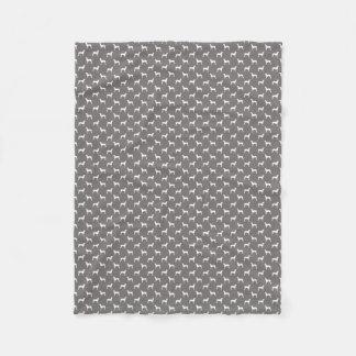 灰色のWeimaranerの白いシルエット フリースブランケット
