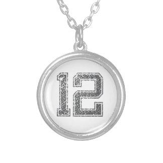 灰色はジャージー#12を遊ばします シルバープレートネックレス