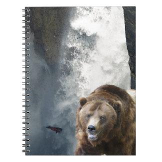灰色グマ、サケおよび滝 ノートブック