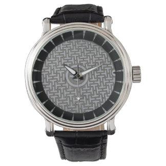灰色及び黒く男らしいマンホールの蓋の革腕時計 腕時計