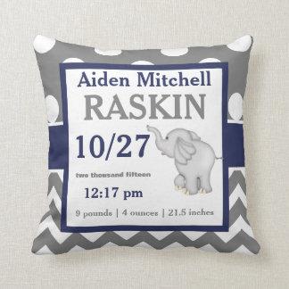 灰色海軍象の赤ん坊の発表の枕 クッション