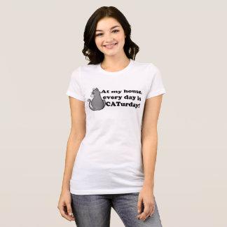 灰色猫のcaturday Tシャツ