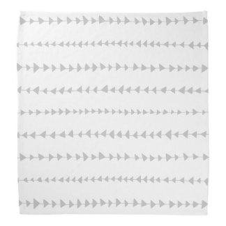 灰色白のアステカな矢パターン バンダナ