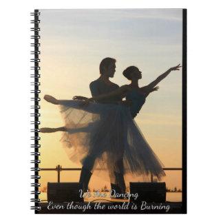 炎のノートを通って踊ること ノートブック