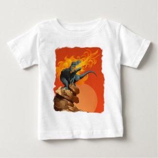 炎のミハエルグリルによる投げる恐竜の芸術 ベビーTシャツ