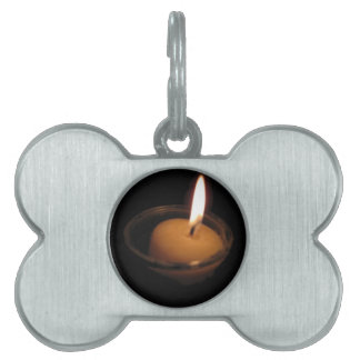 炎の非常に熱い蝋燭を保って下さい ペットネームタグ