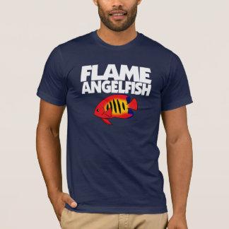 炎のAngelfishの暗闇のTシャツ Tシャツ