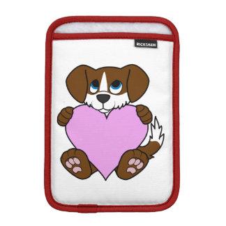 炎及び淡いピンクのハートのバレンタインのブラウン犬 iPad MINIスリーブ