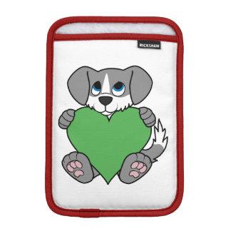 炎及び緑のハートのバレンタインデーの灰色犬 iPad MINIスリーブ