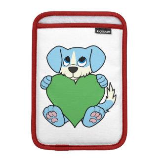 炎及び緑のハートのバレンタインデーの青い犬 iPad MINIスリーブ