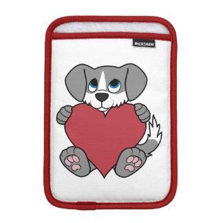 炎及び赤いハートを持つバレンタインデーの灰色犬 iPad MINIスリーブ