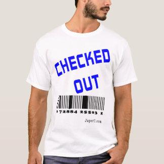点検される Tシャツ