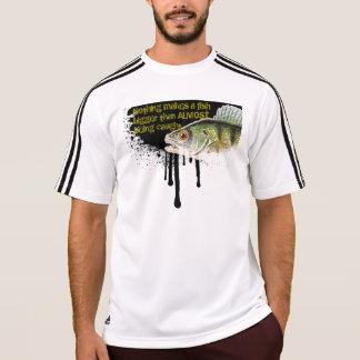 点滴注入の背景の拡大された魚 Tシャツ