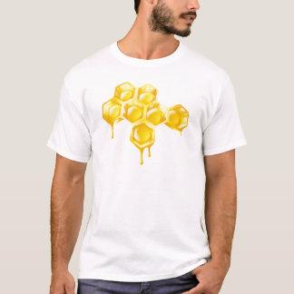 点滴注入の蜂蜜が付いている蜜蜂の巣 Tシャツ