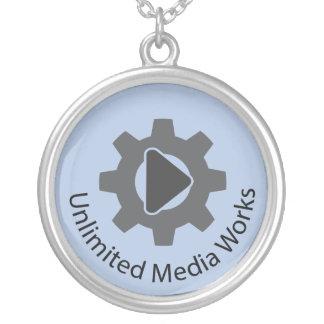 無制限媒体の仕事 シルバープレートネックレス