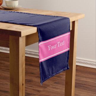 無地のな濃紺のショッキングピンク#2のリボンの名前のモノグラム ショートテーブルランナー