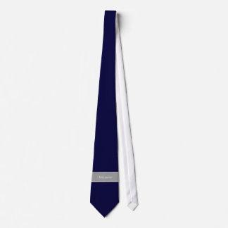 無地のな濃紺、ダークグレーのリボンの名前のモノグラム オリジナルタイ