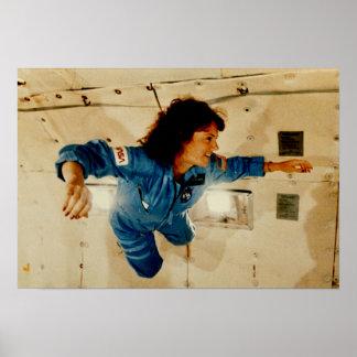 無重力の訓練のクリスタMcAuliffe ポスター