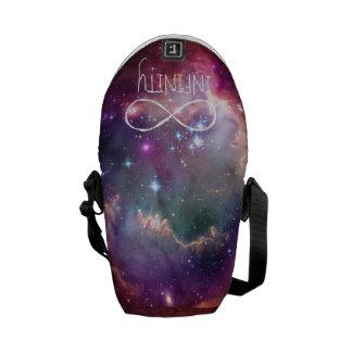 無限ループおよび銀河系の宇宙のヒップスターの背景 メッセンジャーバッグ