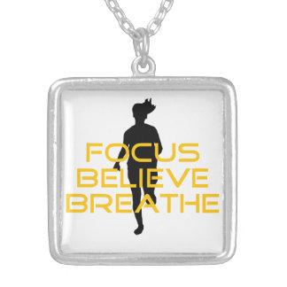 焦点によっては呼吸します黄色い連続したフィットネスが信じます シルバープレートネックレス