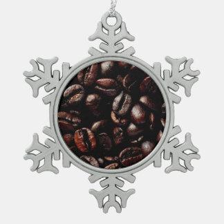 焦茶の焼かれたコーヒー豆の質 スノーフレークピューターオーナメント