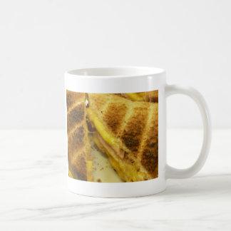 焼かれたハム及びチーズ コーヒーマグカップ