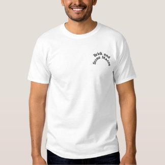 煉瓦および石工 刺繍入りTシャツ
