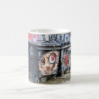 煉瓦車線の落書きのマグ コーヒーマグカップ