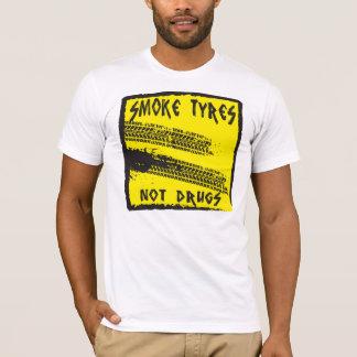 煙は…ない薬剤のTシャツにタイヤをつけます Tシャツ