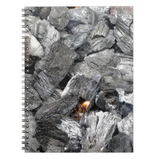 煙る非常に熱い木炭 ノートブック