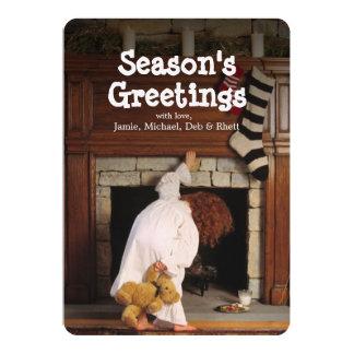 煙突を調べるパジャマの子供 カード