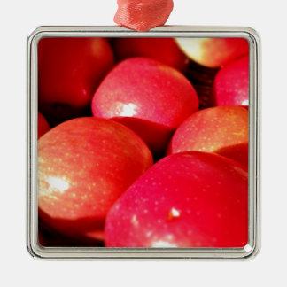 熟した赤いりんご メタルオーナメント