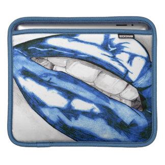 熱い唇(青い) iPadスリーブ