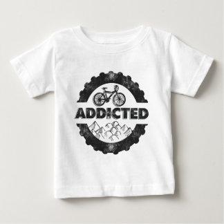 熱中される自転車の循環 ベビーTシャツ