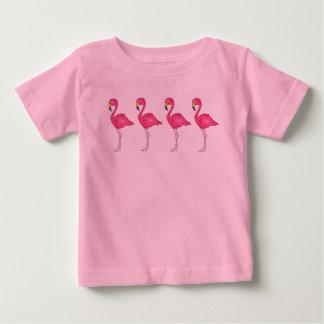 熱帯ショッキングピンクのフラミンゴの島の鳥の楽園 ベビーTシャツ