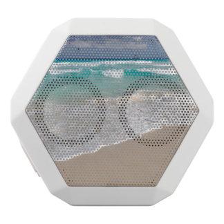 熱帯ビーチおよび砂浜 ホワイトBluetoothスピーカー
