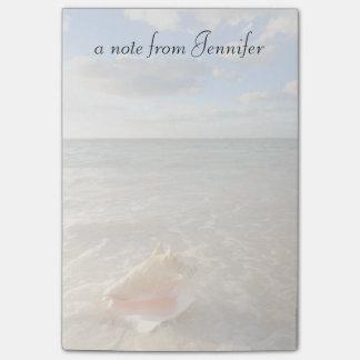 熱帯ビーチの砂のコンシュの貝 ポストイット