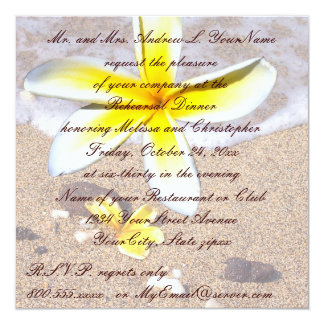 熱帯プルメリアのビーチ結婚式のリハーサルの夕食 カード