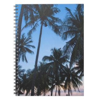 熱帯ヤシの木のシルエットの螺線形ノート ノートブック