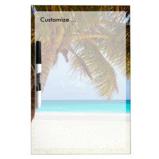 熱帯冷えるビーチ場面 ホワイトボード