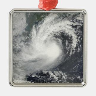熱帯嵐のパーマ接近の中国およびViet メタルオーナメント