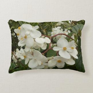 熱帯白いベゴニアの花 アクセントクッション