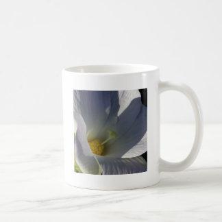 熱帯白い花のマクロ コーヒーマグカップ