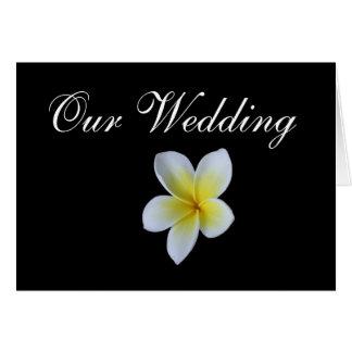 熱帯結婚式のFrangipaniの招待状カード カード