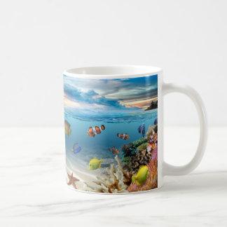熱帯魚が付いている水中珊瑚礁 コーヒーマグカップ