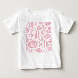 熱帯魚飼育用の水槽のイラストレーションのピンク ベビーTシャツ