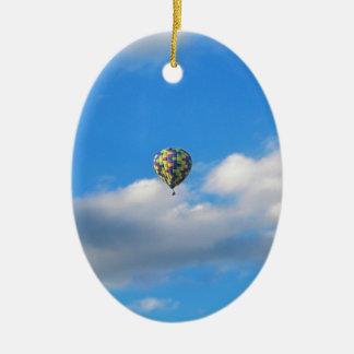 熱気の気球の乗車II セラミックオーナメント