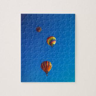 熱気の気球の写真のパズルかジグソーパズル ジグソーパズル