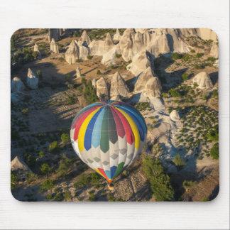 熱気の気球の空中写真、Cappadocia マウスパッド