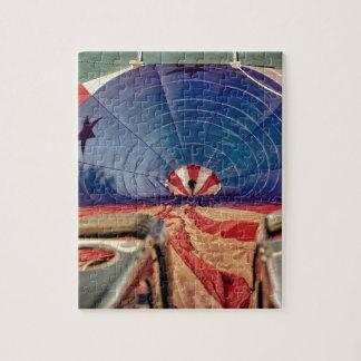 熱気の気球の風船のようにふくらむバーナー ジグソーパズル